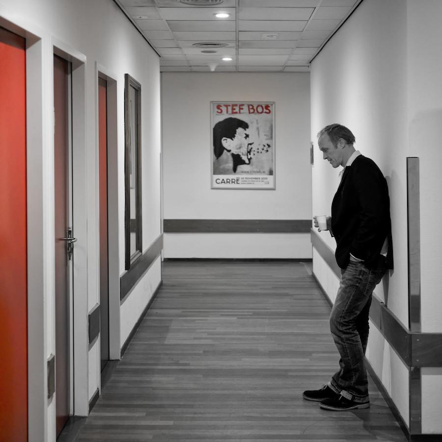 Fotoreportage over de theatertoer van Stef Bos
